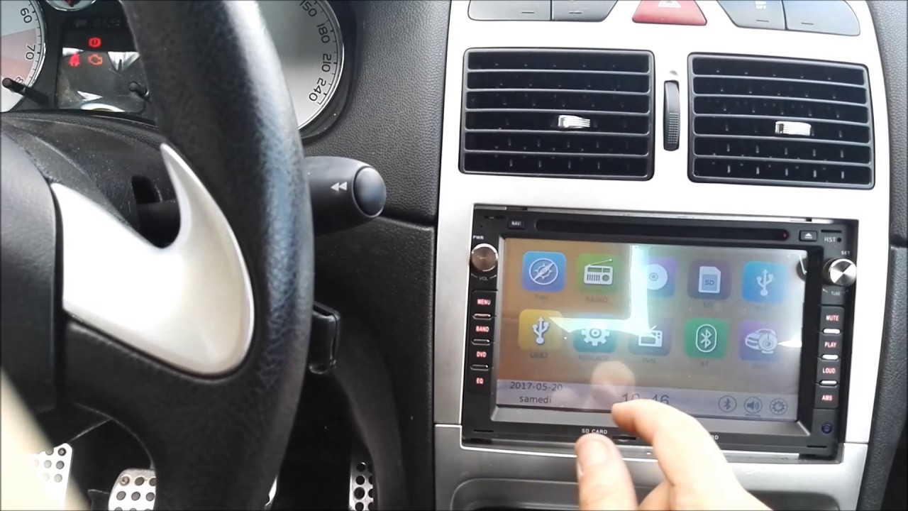 installer autoradio à écran tactile